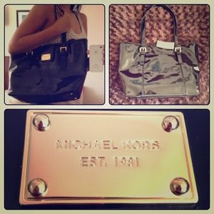 MICHAEL Michael Kors Handbags - Michael Kors Jet Set open travel tote