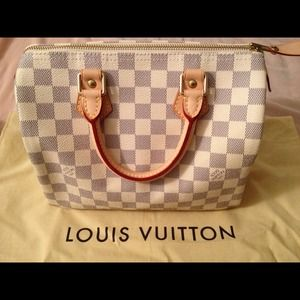 Louis Vuitton Handbags - Not for sale pending repair LV Damier Speedy 25