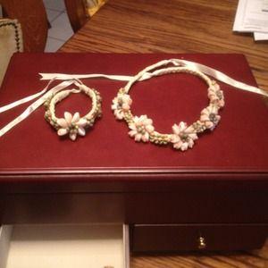 Jewelry - Hawaiian bracelet and necklace set.