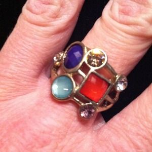 Jewelry - NWOT!! Multi-Color Ring
