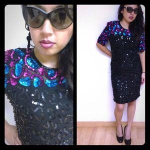Dresses & Skirts - ✨Vintage sequins dress