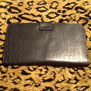 Clutches & Wallets - Black leather wallet