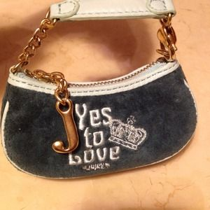 Juicy Couture Accessories - JuicyCoutureSmallChangePurse