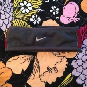 Nike Accessories - Nike reversible ear warmer