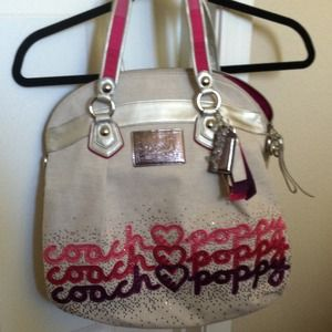 Authentic coach poppy bag