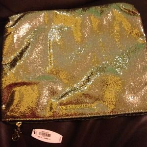 Victoria's Secret Clutches & Wallets - Victoria Secret Gold makeup bag