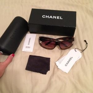 CHANEL Accessories - 100% Auth. CHANEL sunnies