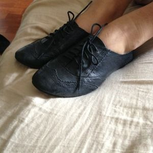 Steve Madden Shoes - Steve Madden black oxfords 7.5