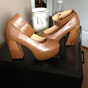 Shoes - New brown chunky heels sz 38