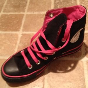 Converse Shoes - For Aryan -Black & pink hightop converse