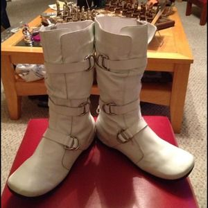 White Leather And Buckle Bandage Slouchy Boots Sz8