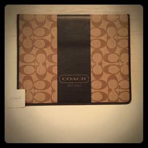 NWT Authentic COACH Heritage iPad Case