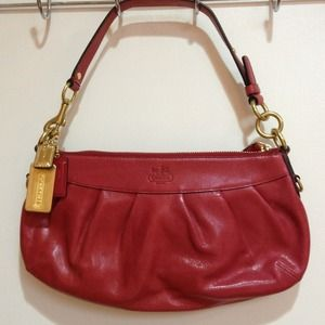 Coach Handbags - COACH: Cute Leather Raspberry Handbag Purse 💕