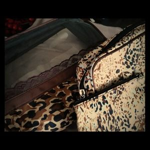 Accessories - Leopard and Lace 3 piece traveler set