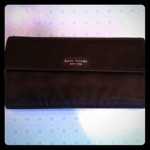 kate spade Clutches & Wallets - Authentic Kate Spade Wallet