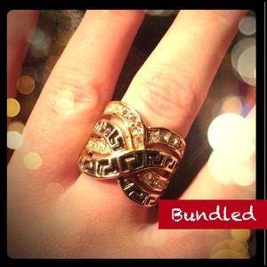 Jewelry - Bundled❌Ornate Woven Gold Ring