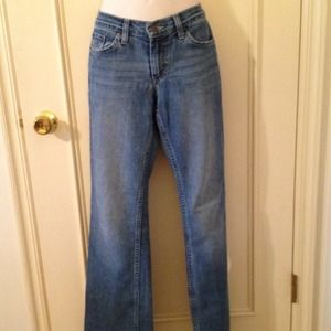 Sz 4 long American eagle med wash boot cut jeans:)