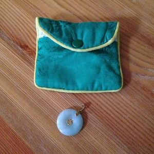 Jewelry - Green Jade and Gold Pendant