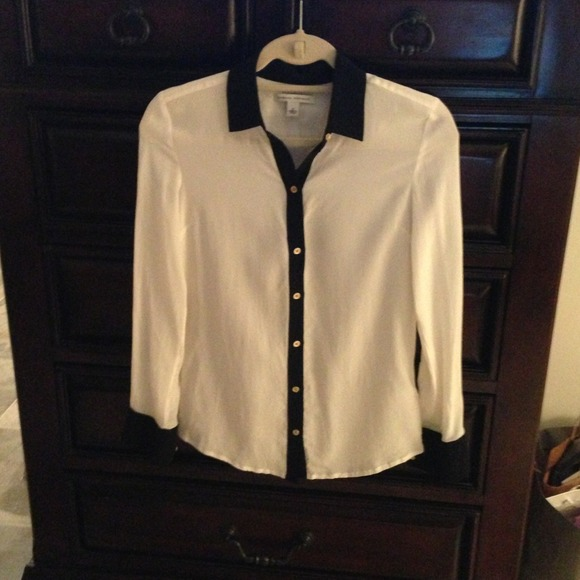 Banana Republic Tops - Banana Republic Contrast Trim Blouse 2