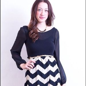 Dresses & Skirts - Popular Chevron dress