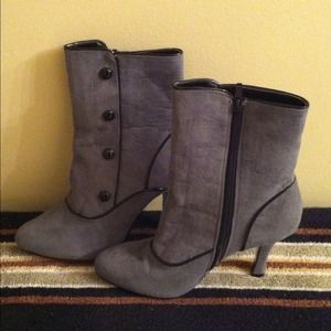 Laura Scott Boots - New Grey Victorian style ankle boots