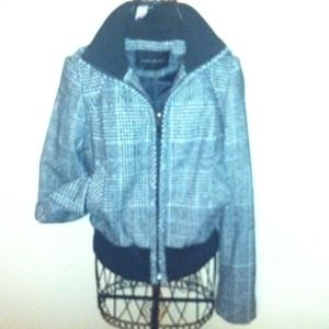 REDUCED Zara tweed jacket- super cute nearly new!