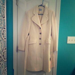 Outerwear - 😍White vintage winter coat!😍