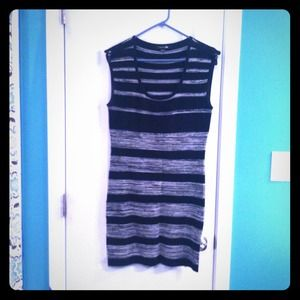 Forever 21 Dresses & Skirts - 💋Reduced💋Sexy date night dress!!