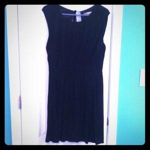 Forever 21 Dresses & Skirts - LBD, never been worn.