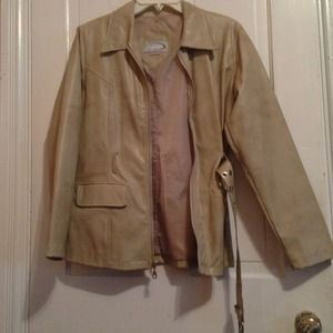 🌷5 for $25 Brown faux leather jacket