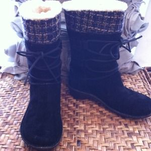 UGG Boots - Perfect condition Ugg boots size 7, black