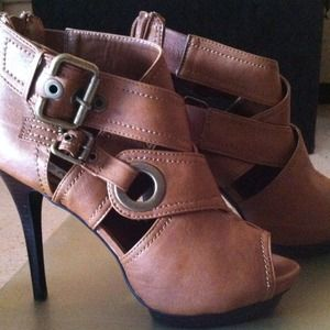"Boots - (RESERVED) Herstyle ""Jerdena"" Shoe"