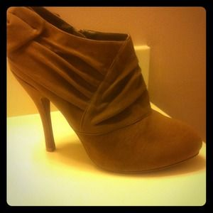 quipid Boots - RESERVED for Traciemarie!!! Taupe booties