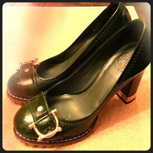 Authentic Tory Burch green patent heels 6.5 US