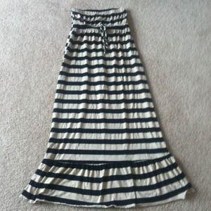 Dresses & Skirts - 🎉Sold for @serena1🎉