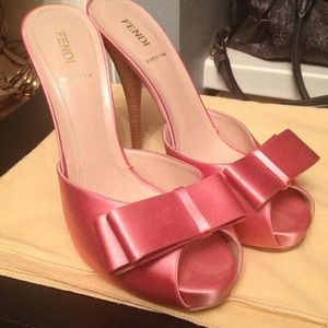 Authentic Fendi Pink Satin Heels sz40