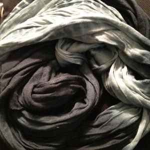 ✋Reserved in bundle! Cotton ombré scarf