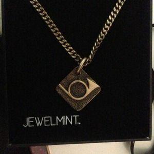 jewelmint Jewelry - Jewelmint vintage horn pendant