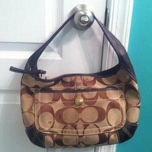 Coach Handbags - ⬇Reduced⬇Coach handbag!!