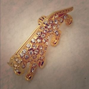 Jewelry - Vintage Leopard Rhinestone and Gold Brooch Pin