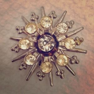 Jewelry - Gorgeous Sunburst Silver and Rhinestone Brooch Pin