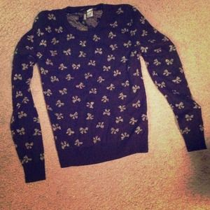 Sweaters - H&m black bow sweater