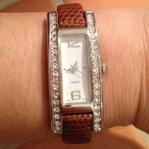 Accessories - Beautiful Crystal Watch