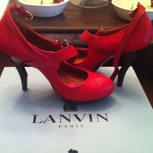 New Lanvin Escarpin Pump with ankle strap.