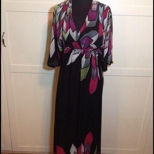 REDUCED-2b Bebe Maxi Dress Tie Back & Split Sleeve