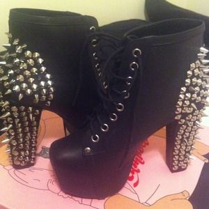 Boots - ❌SOLD❌Jeffrey Campbell Litas