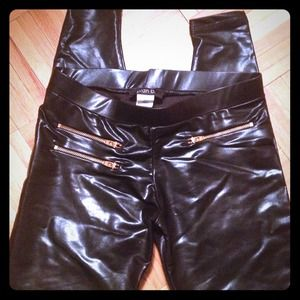 Plan b. Pants - Blackish/Blue leather like leggings!