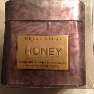 "Urban Decay Accessories - Urban Decay Sparkling Lickable Body Powder ""Honey"""