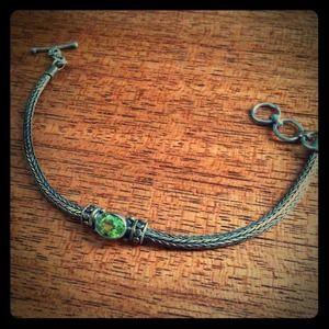 Jewelry - Emerald green stone bracelet