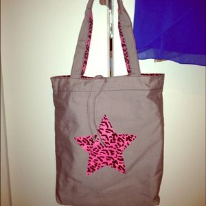 Handbags - Gray tote bag with pink animal print star icon